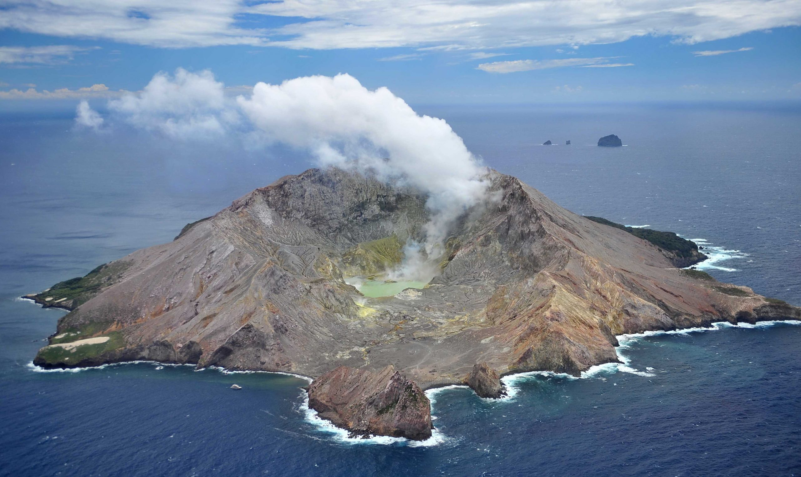 White Island volcano: The deadliest volcanic eruption in ...
