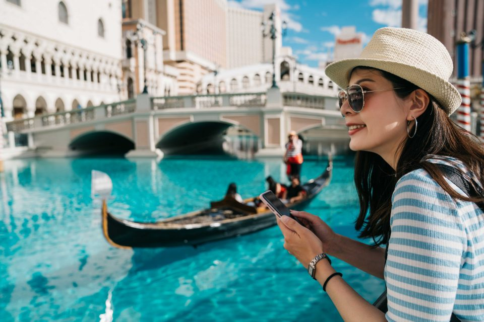 Over-tourism: Venice to track down mobile phones of tourists.