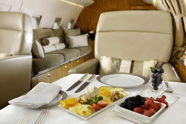 The Exclusive Experience When Dining with Emirates
